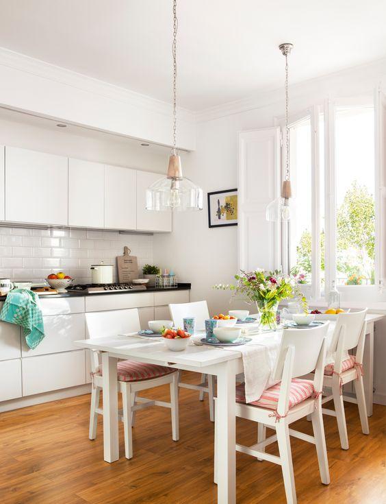 Tipos de mesas de cocina y sus características | VIVAREA